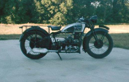 Richard Veldman's 1933 Douglas Greyhound motorcycle