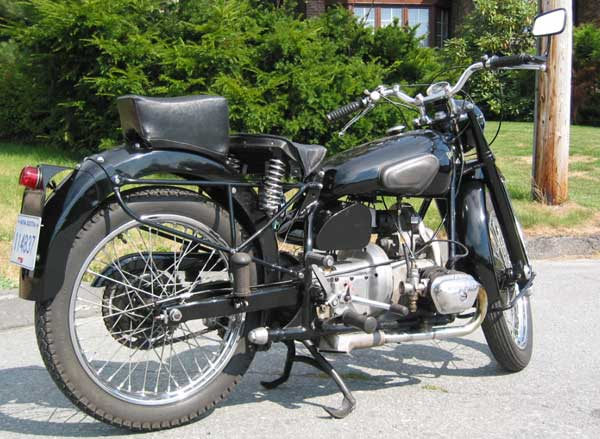 Dave Aggett's 1947 T35 Douglas motorcycle